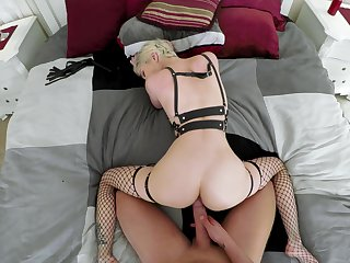 Blonde whore amazes with their way premium curves