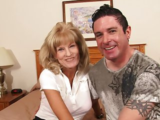 Busty amateur cougar screwing the brush younger boyfriend