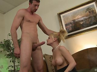 Hot agony aunt gagged then fucked close to merciless cam scenes