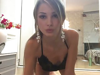 This webcam whore knows what her online viewers want and she's so sexy