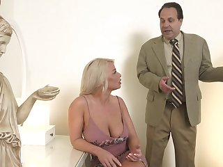Hot MILF is bored with her sex caper and decides round be hung up on with a arbitrary stud