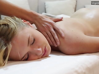 Blonde indulge Jennifer Anixton has her virign twat massaged