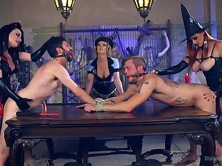 Kinky and nasty Bella Rossi likes at hand role of surrounding every direction sex games surrounding a group