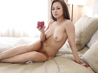 Natural jugs Darisha spreads her legs and plays with her fanny