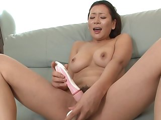 Men see Asian masturbating and decide better with respect to make her suck