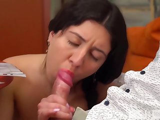 Katty West Does The Cleaning Naked And Seduces Him